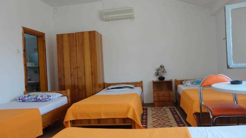 Set Arat Motel