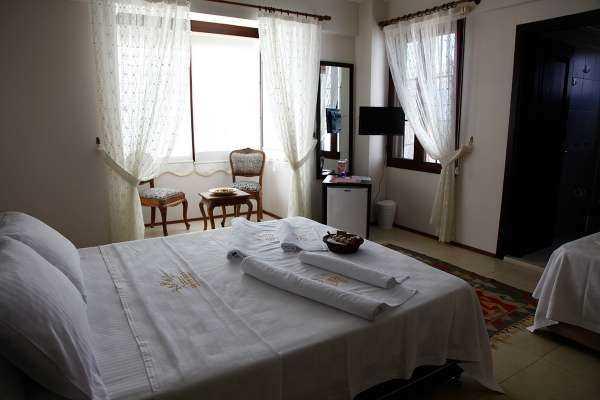 Queen Hotels Nano