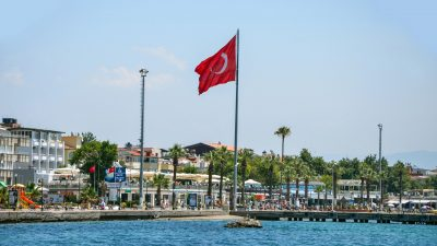 Balıkesir Akçay Türkiye'nin En Çok Aranan 3. Semti